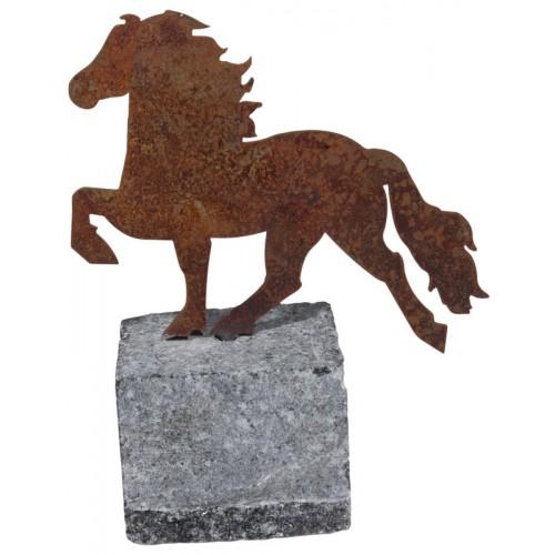 Rostfärgad prynadshäst